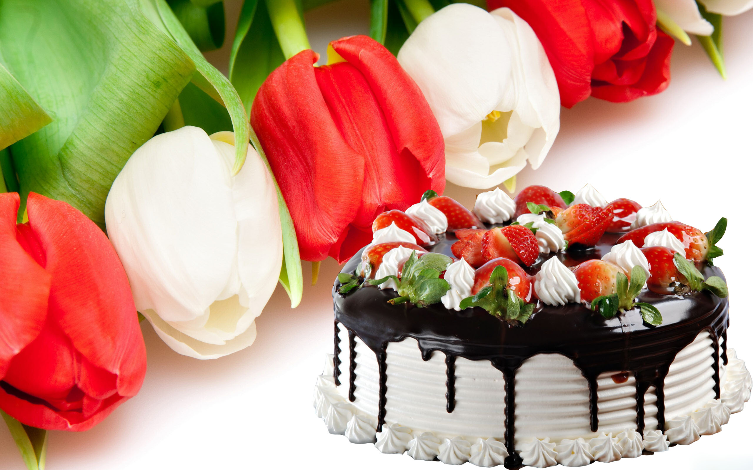 Make Your Special One Feel Loved With Exotic Cakes Online Flowers